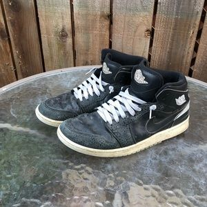 Jordan 86' Retro Men's Mid Jordan One Shoes